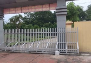 Lắp đặt cửa cổng xếp tại KCN Giang Điền